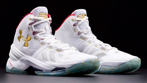 Sepatu Basket Armour Curry 2 Elite armour curry 2 alle rot