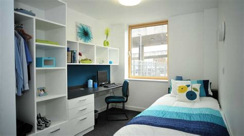 university bedroom student village university of bedfordshire student