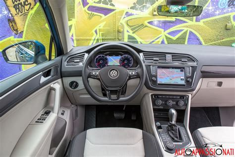 volkswagen tiguan interni nuova volkswagen tiguan prova su strada in anteprima