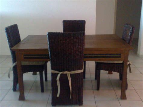 Chaise Table Tr 232 S Table De Salon En Bois 4 Chaises 300 Euros