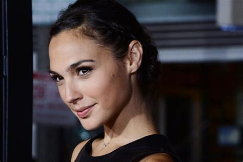 gal gadot di film batman vs superman batman vs superman la nuova wonder woman gal gadot