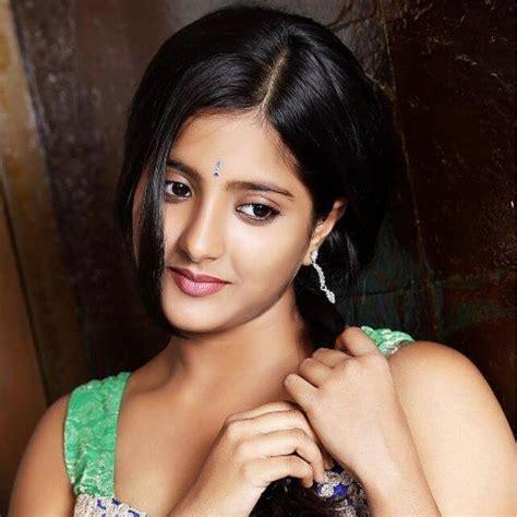 actress jhansi age marathi actress ulka gupta photos hd images hot pics