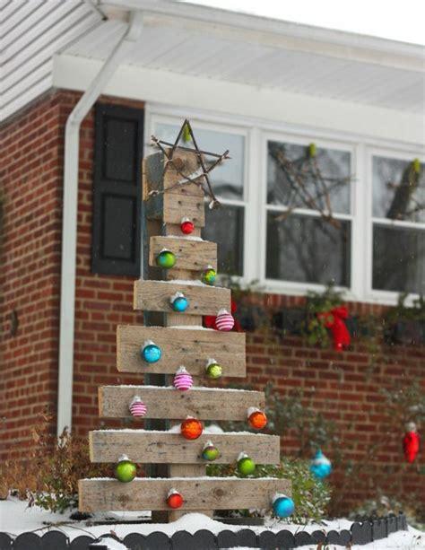 weihnachtsdeko f 252 r draussen paletten weihnachtsbaum