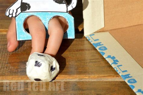How To Make A Finger Football Out Of Paper - world cup crafts poppy cat finger football ted