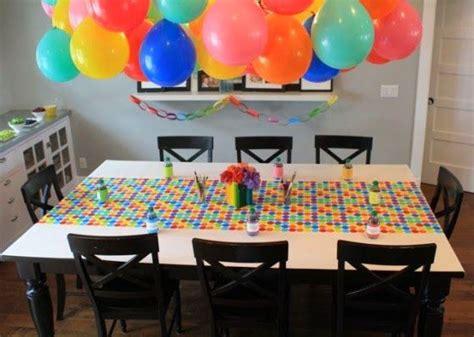 como decorar con globos el techo una idea para decorar el techo con globos en una fiesta de