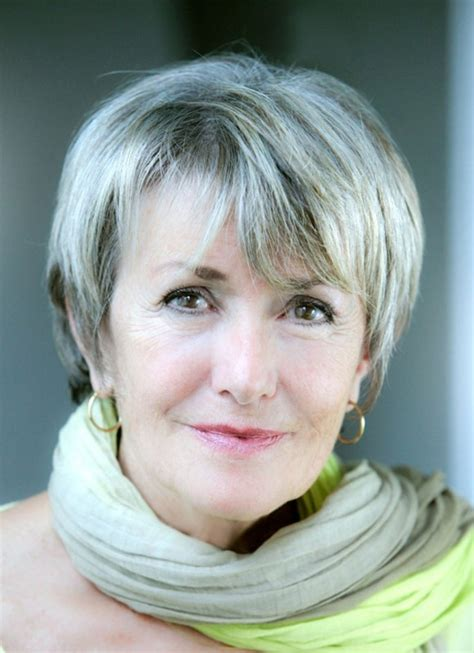 short hair lady in new applebees commercial 32 best short hair styles images on pinterest grey hair