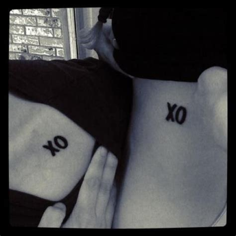 tattoo xo xo hugs and kisses couples tattoo idea unique wedding