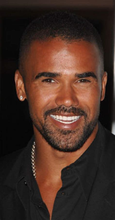 do cops to their lights on when radaring shemar imdb