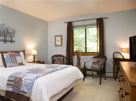 bed and breakfast killington vt spacious guest room at killington vermont inn inn partners