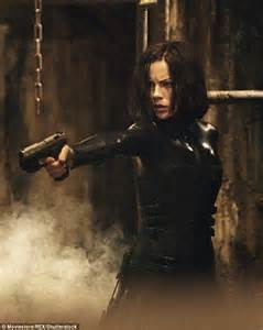 film action underworld kate beckinsale looks mesmerizing in svelte dior gown at