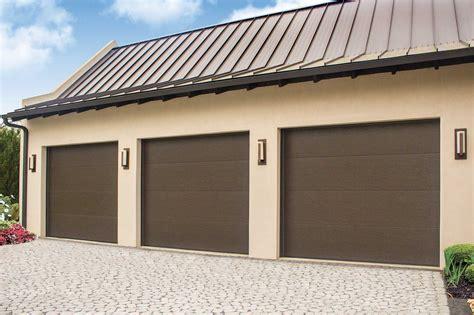 wayne dalton  colonial ranch    garage doors