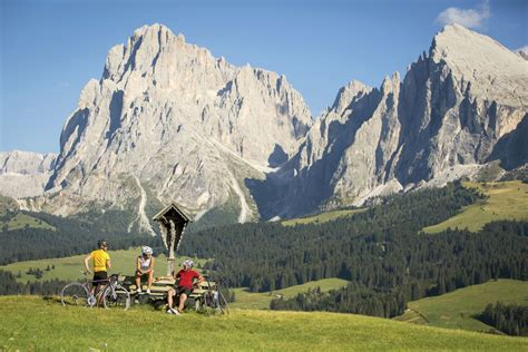dolomite mountains italy picture dolomite mountains italy dolomite mountains xo private