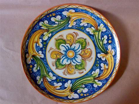 ladari in ceramica di caltagirone piatti da parete in ceramica di caltagirone a acireale