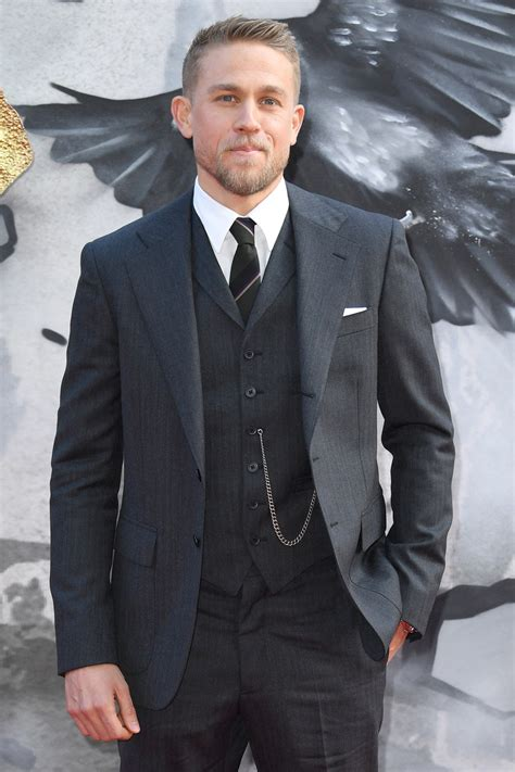 charlie hunnam charlie hunnam keeps it tight at the quot king arthur legend
