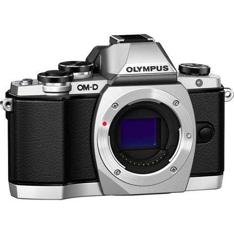 Olympus Om D E M10 Ii Kit 14 42mm Ez Black Kame Berkualitas olympus om d e m10 14 150мм ii kit серебристый чёрный беззеркальные камеры photopoint