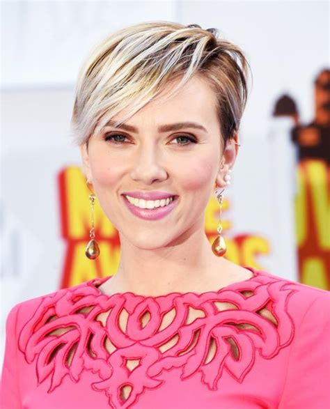 why scarlett johansson cut hair recreate scarlett johansson s mtv movie awards pixie