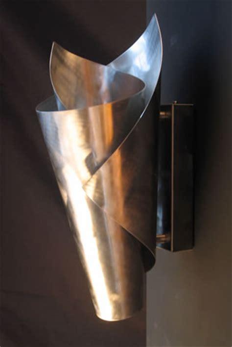 wandlen oben und unten strahlend wandlen design en moderne wandverlichting calla ii