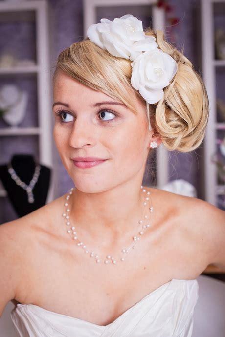 Kopfschmuck Braut Seitlich by Brautfrisuren Mit Haarreif