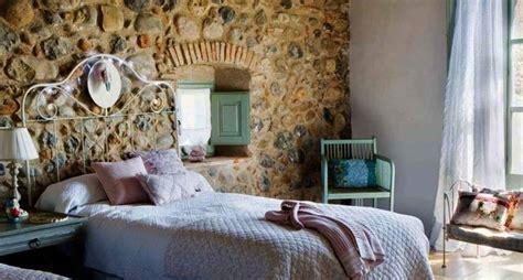 da letto con parete in pietra realizzare pareti in pietra le pareti lavori fai da te