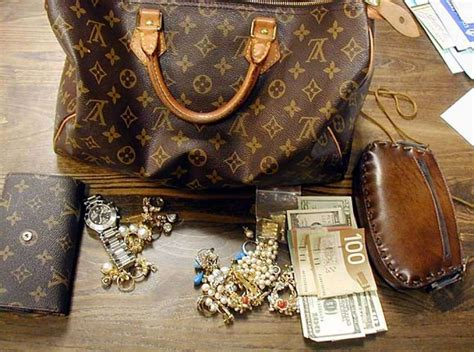 Luxury Giveaways - luxe populi spending for luxury items is increasing four times as fast as overall