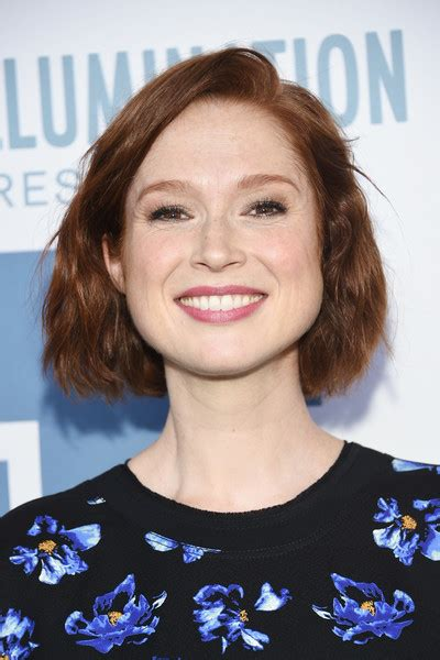 ellie kemper might need to steal her hair color lovely ellie kemper short wavy cut newest looks stylebistro