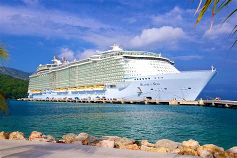 royal caribbeans newest ship royal caribbean in 2015 new ships new itineraries new