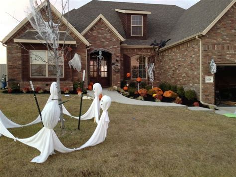 how to make scary halloween decorations at home 40 funny scary halloween ghost decorations ideas