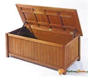 coffre de rangement en bois coffre de rangement bois exotique l137xp63 5xh53 5