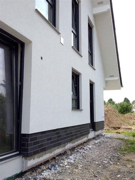 Sockel Am Haus by Ihr Maler In Detmold Owl Und Kreis Lippe Fassadengestaltung