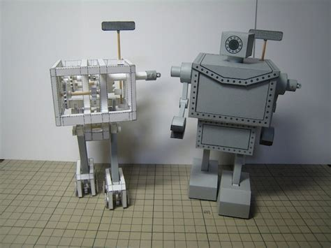 Mechanical Papercraft - this robot is made entirely of paper and it can walk