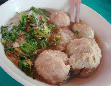 membuat kuah bakso malang bakso read buk so indonesian meatballs in beef spices