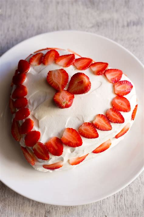 eggless cake strawberry cake recipe eggless strawberry