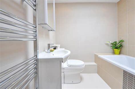 rivestimenti per bagni piccoli ottimizzare gli spazi dei bagni piccoli scopri come costok