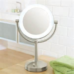 Make Your Own Vanity Table Looking Even Better With A Lighted Makeup Mirrors