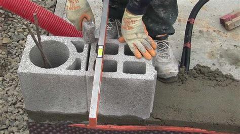 Brique Ou Parpaing Rt2012 by Maison En Bloc B 233 Ton N 176 2 Montage Des Murs