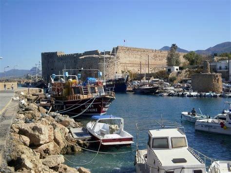 cipro turisti per caso la baia di kyrenia viaggi vacanze e turismo turisti
