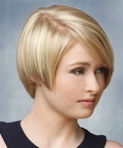 short straight formal hairstyle light blonde hair color