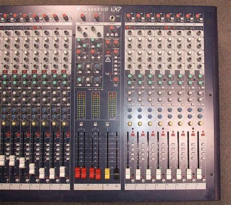 Audio Mixer Soundcraft Lx7ii soundcraft lx7ii 32 image 284448 audiofanzine
