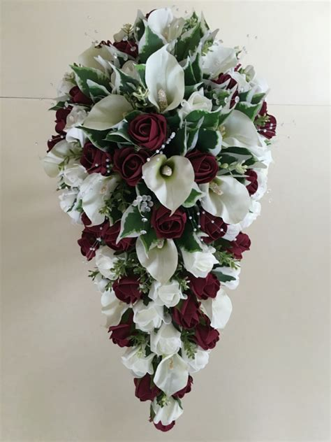brides teardrop bouquet  cala lilies ivory