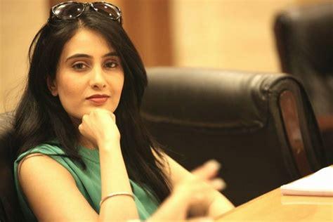 sai lokur debut meet kapil sharma s marathi wife from kis kisko pyaar