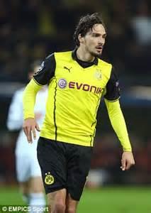 Mats Hummels To Utd by Mats Hummels May Stay At Borussia Dortmund Despite
