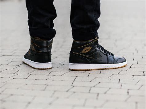 Jual Nike Air 1 Mid s shoes sneakers nike air 1 mid 554724 042 best shoes sneakerstudio