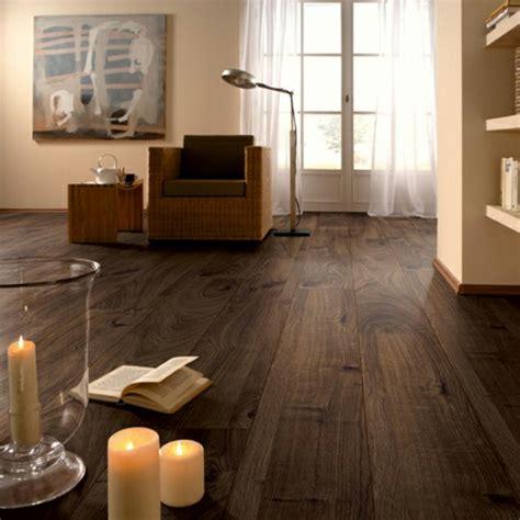 wohnzimmer dunkles laminat moderner laminatboden 130 sch 246 ne beispiele archzine net