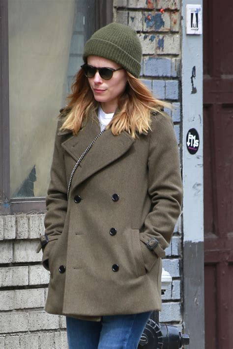 Kate Hudson Strolls In Soho With by Kate Mara Takes A Stroll In Soho Nyc 03 12 2018