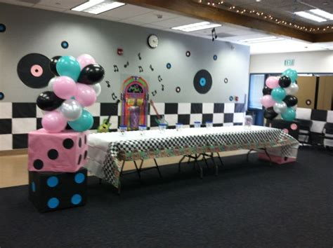 50 s table decorations 213 best images about sock hop ideas on diner