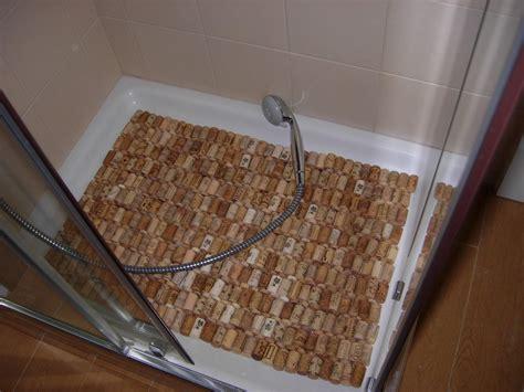 cuadro con corchos de vino formas de reciclar los tapones de corcho del vino