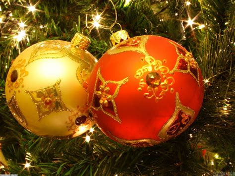 christmas tree balls wallpaper 20899 open walls