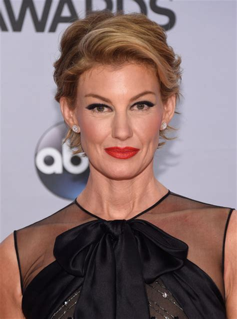 faith hill hair cuts 2015 faith hill has a brand new pixie haircut