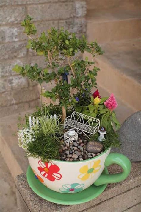 Garden Answer Teacup Garden 14 Jardins Miniatures Qui Vont Vous Faire R 234 Ver