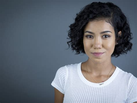 jhene aiko short hair ok so look at my avatar and rate me from 1 10tell me what
